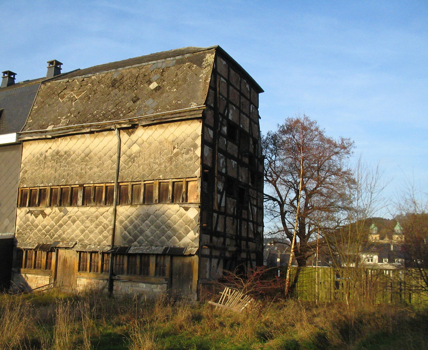 Granges barns terre bois Toit mansarde bardage bois